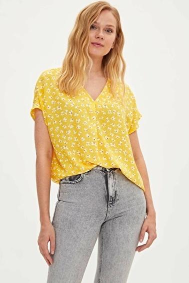DeFacto V Yakalı Kısa Kollu T-shirt Sarı